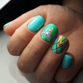 Geometricheskij_dizajn_nogtej_ (22)