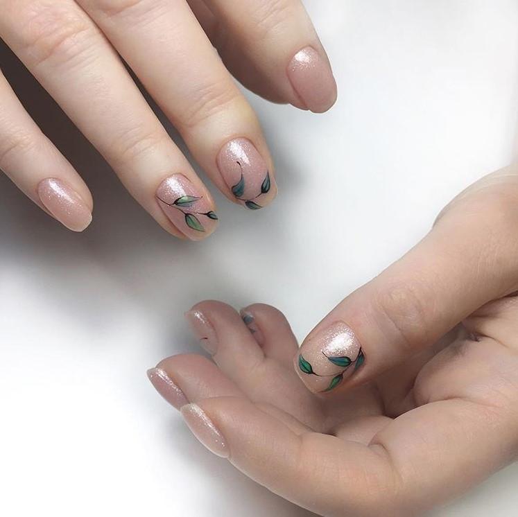 Светлый маникюр на коротких ногтях 2021 фото 68 модных идей
