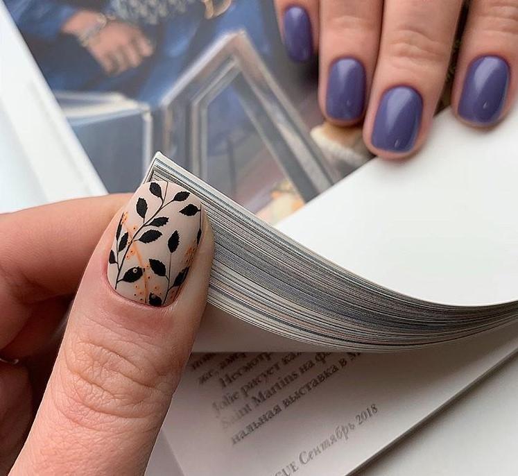 Красивый минималистичный маникюр - стильный дизайн 2019 фото