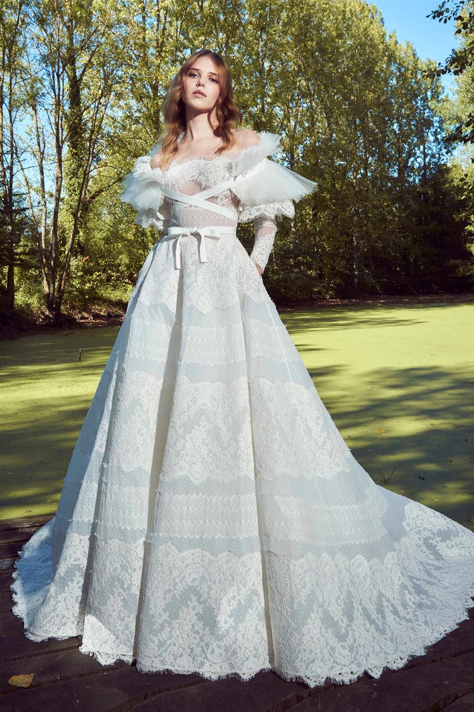 Модные свадебные платья 2020 года: актуальные новинки с фото