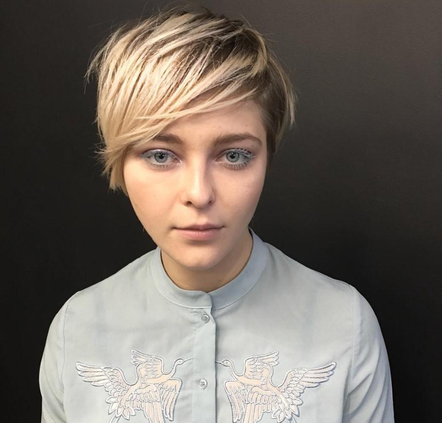 Трендовые, стильные стрижки на короткие волосы 2021: фото