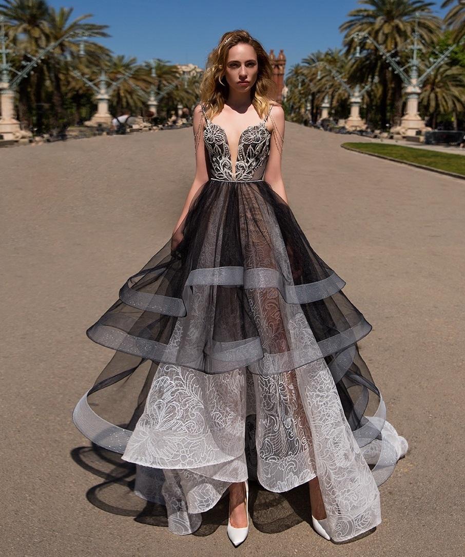 Модные выпускные платья 2021 - очаровательные варианты фото