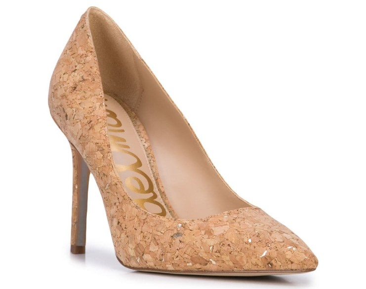 Бежевые туфли на каблуке 2021: must have гардероба, фото