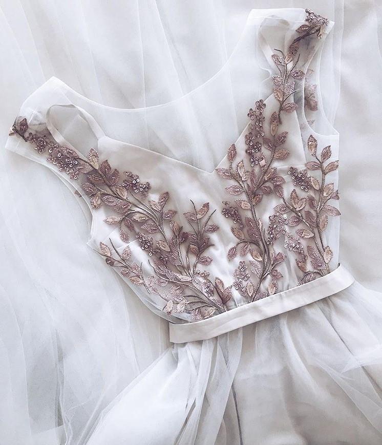 Кружевные свадебные платья 2021: самые красивые фасоны, фото
