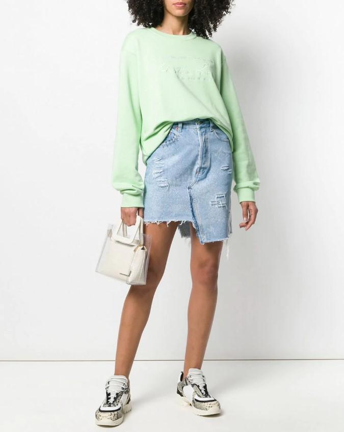 Как носить джинсовую юбку в 2021 году