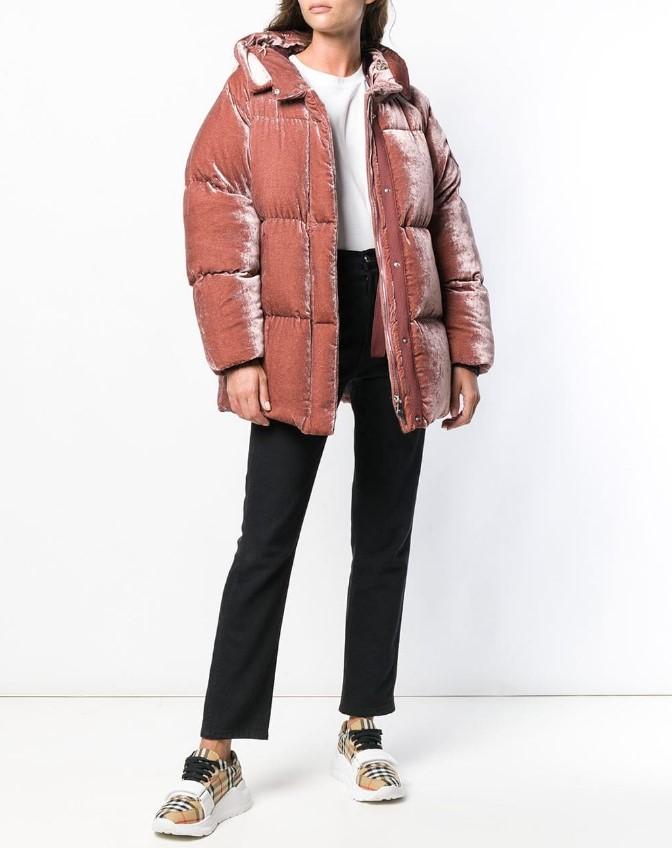 Самые модные пуховики этой зимы которые дополнят любой образ