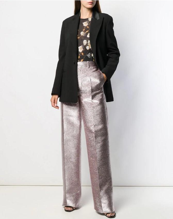 Какая единственная модель осенних брюк стройнит?