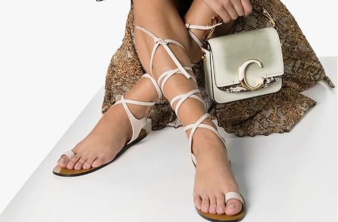 Какая базовая обувь будет в моде летом 2021