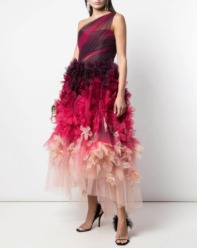 Самые модные выпускные платья 2020: советы стилистов