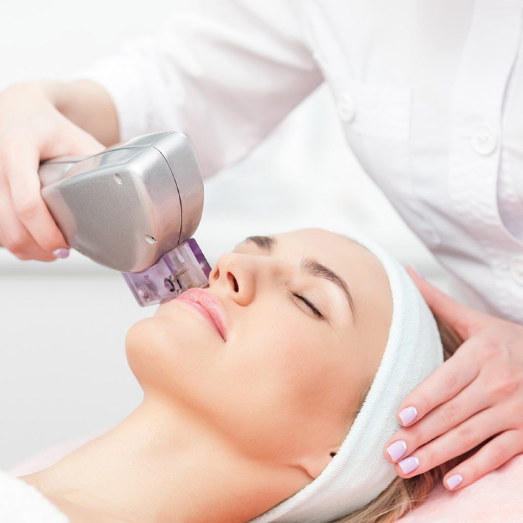 Аппаратная косметология для лица: виды, преимущества, эффективность