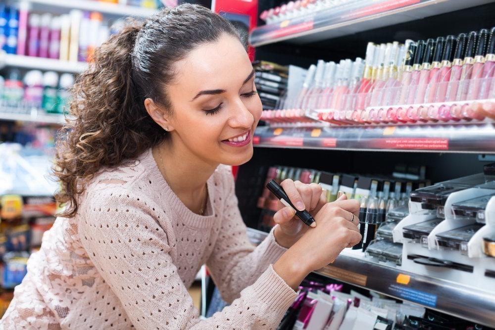 Как выбрать профессиональную косметику для молодой девушки?